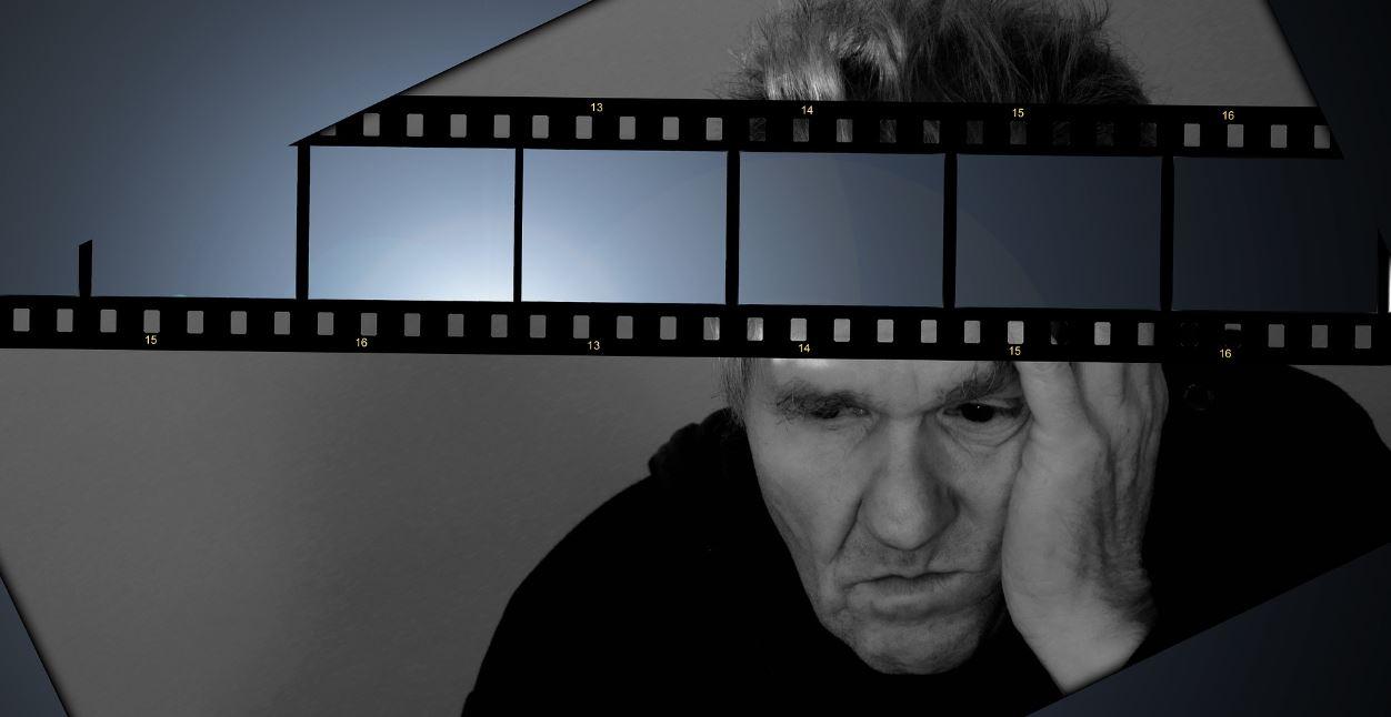 Glaubenssaetze aendern - Mann hat einen Film im Kopf