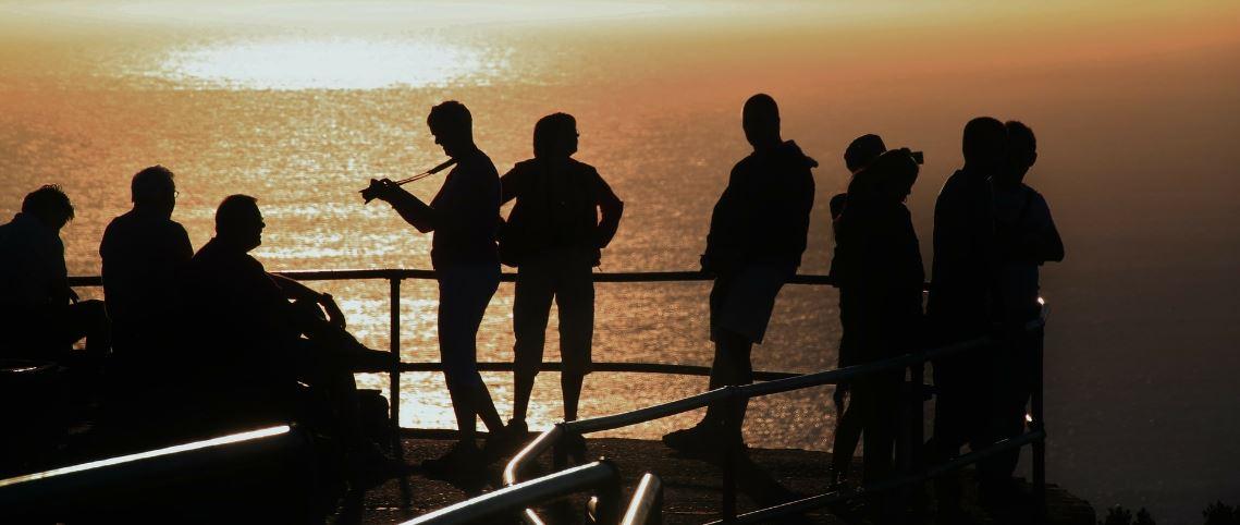 Raucherentwoehnung Deutschland - Gruppe am Meer