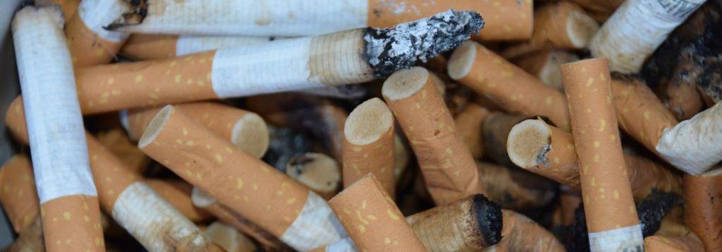 Rauchen aufhören Zigarettenkippen