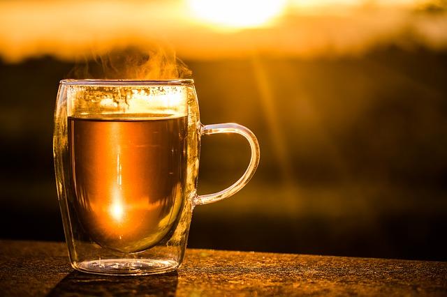 Die Erholungszigarette - ein Glas Tee als Alternative zum entspannen